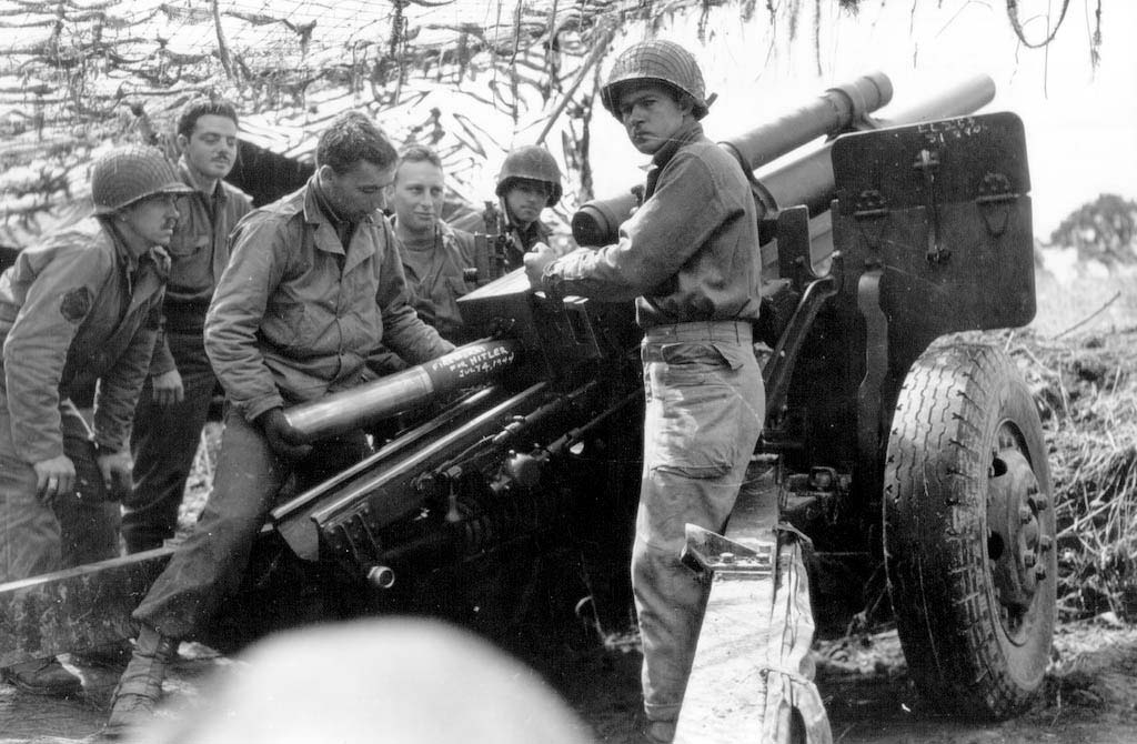Image result for  gun crew with 105mm for M101A1 howitzer gun